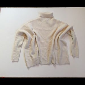 Nordstrom Signature Sweaters - Nordstrom Signature 100% cashmere ivory sweater