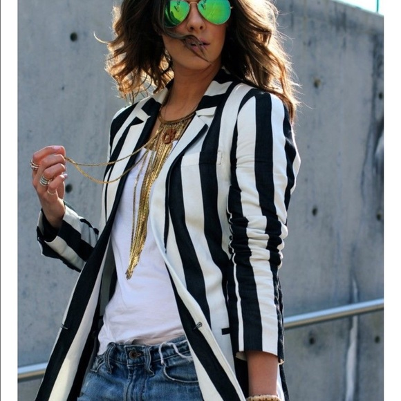 707ecf54d4bc Divided H&M Jackets & Blazers - Divided H&M black and white striped blazer