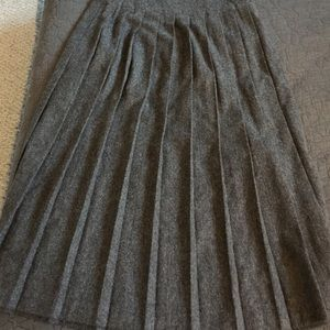 Panther Skirts - Vintage 1970's 100% Gray Wool Pleated Skirt