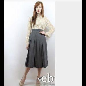 Vintage 1970's 100% Gray Wool Pleated Skirt