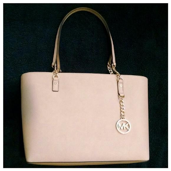35d5db95b136 MICHAEL Michael Kors Bags   For Kristin Michael Kors Jet Set Chain ...
