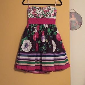 Candie's Dresses & Skirts - Candies Strapless Dress Size 5