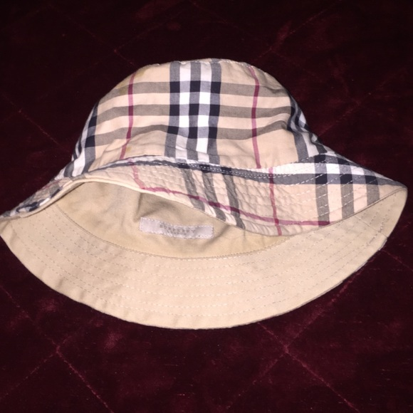 6f09bb04348fa Burberry Accessories - Burberry reversible bucket hat