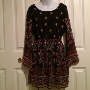 Black Paisley Print Bell Sleeve Shift Dress