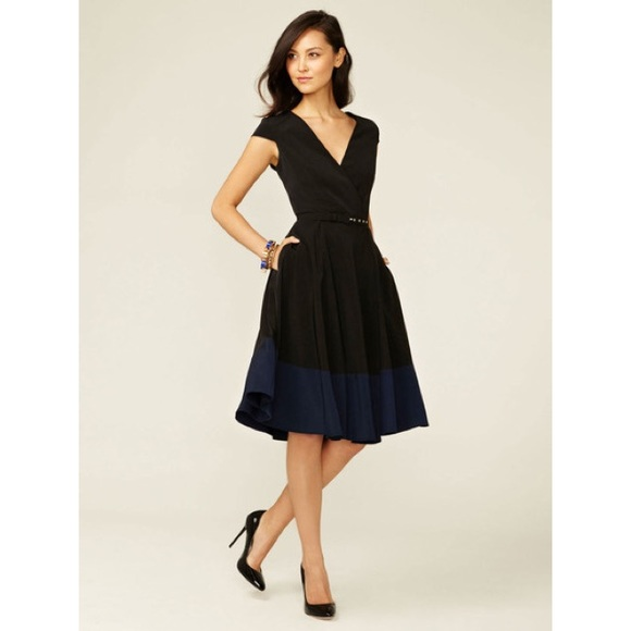 a52cab6d98 Alex + Alex Dresses   Skirts -  Alex + Alex cap sleeve wrap dress