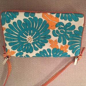 FENDI Bags - Fendi clutch