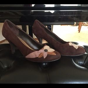 Shoes - Brown embroidered heels.