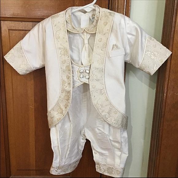 4a9a44c2e christening outfit by Piccolo Bacio Giovanni. M_56b0df44c6c795e4dd002e32