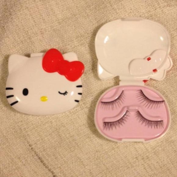 277ef197f Hello Kitty Makeup   Nwt Eyelash Case   Poshmark