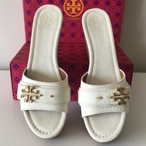 TORY BURCH ELINA PLATFORM LEATHER WEDGE SANDALS
