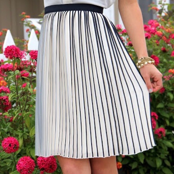 J. Crew Skirts - {j. crew} 🌿 sunburst accordion pleat skirt