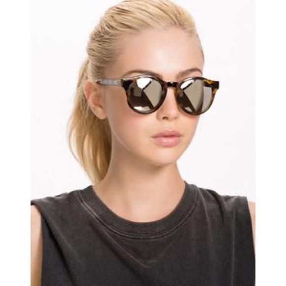 a4f3a4b4c0 Nwt Le Specs round mirrored tortoise sunglasses