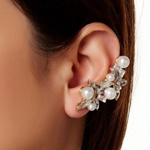 T&J Designs Jewelry - T&J Pearl Cluster Ear Cuff