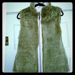 GAP faux fur vest