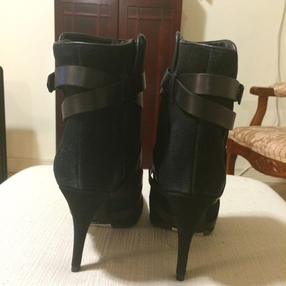 SCHUTZ Shoes - NEW black boots