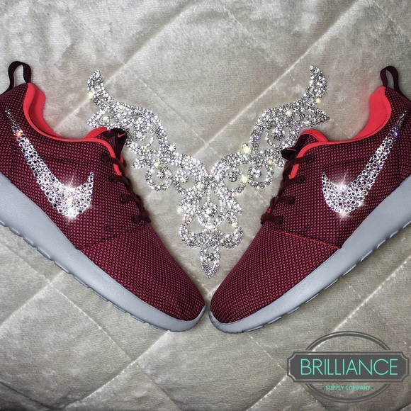 buy popular 0f3e9 b5345 Swarovski Nike Roshe One Burgundy Premium Running