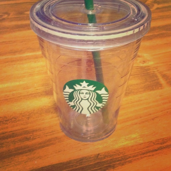 5d55644c870 Starbucks clear plastic cold cup with straw