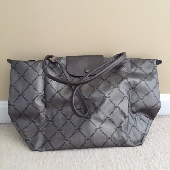 Longchamp Handbags - Longchamp Metallic Tote - 100% Authentic c9f2bc7fb0e1d