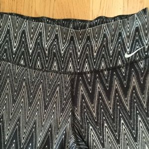 Nike Pants - NWOT Nike legend 2.0 pants dri fit leggings