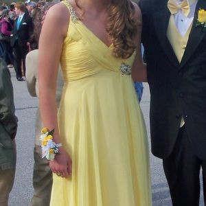 Yellow one-shoulder prom dress