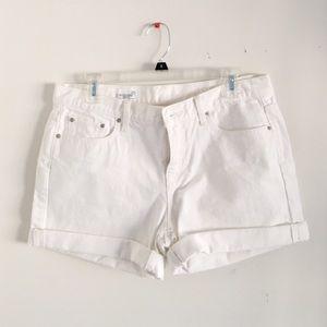 Gap white sexy boyfriend shorts size 29