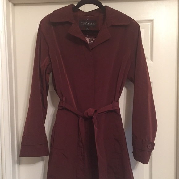 3d9de4756 Burgundy Trench Coat-London Fog Towne Collection