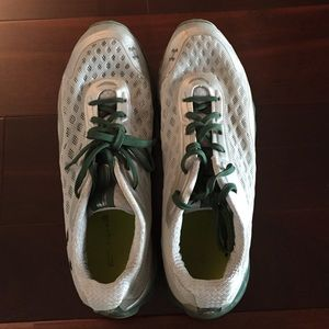 """Men's under armour """"spine"""" running shoes 11.5"""