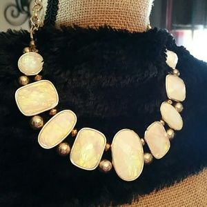 Jewelry - Opalescent Chunky Necklace