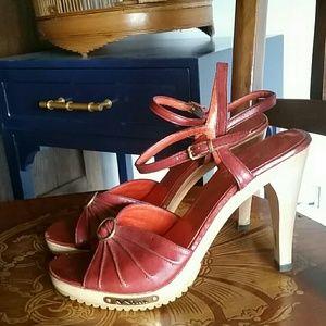 Nina Shoes - Vintage red Nina leather sandals, size 8n