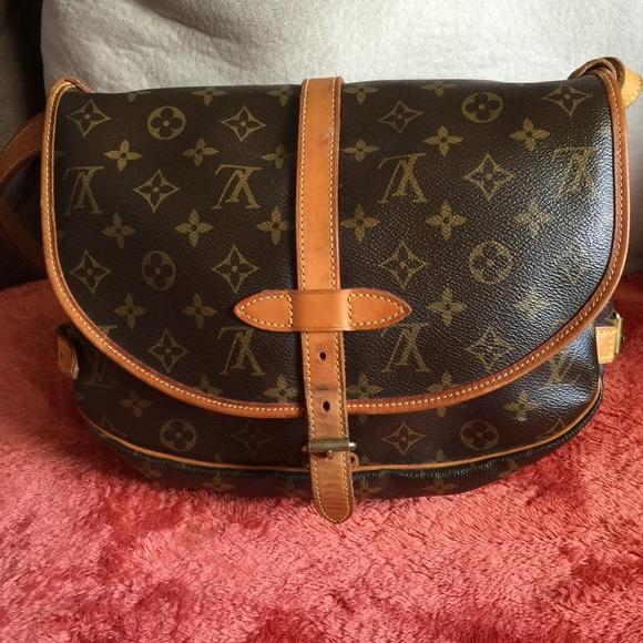 Louis Vuitton Bags   Soldlv Saumur 30   Poshmark f4fb75d14c