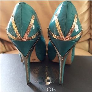 Vince Camuto Turquoise Heels
