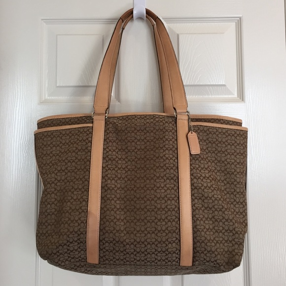 66 off coach handbags coach large diaper bag w changing pad from melissa. Black Bedroom Furniture Sets. Home Design Ideas