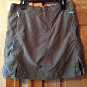 Army green skirt! Great windbreaker material