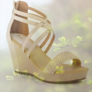 Bella Marie Shoes - 💥HP 5/22, 7/11💥PRETTY BEIGE WEDGE SANDALS