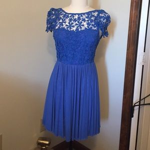 Dresses & Skirts - Periwinkle lace dress
