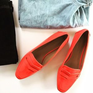 🎉HP🎉Banana Republic patent leather coral loafers
