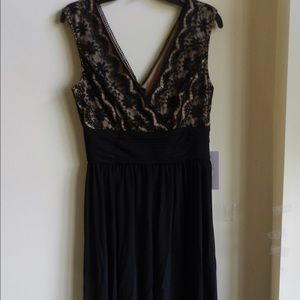 V-Cut Lace Dress. Prom.