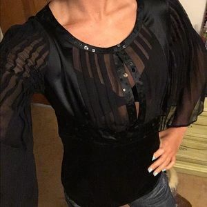 bebe Tops - 🅑🅔🅑🅔 black top. Silk fabric. chiffon sleeves