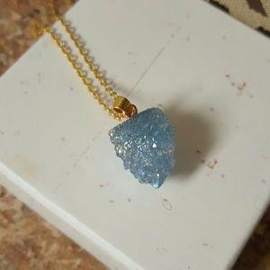 Jewelry - 💙Bluish purple druzy quartz necklace💙