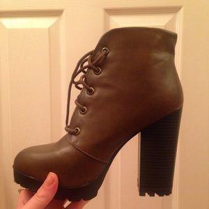 Brand new brown heel booties!
