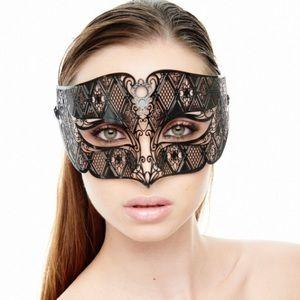 Accessories - Luxurious Mardi Gras Phantom Inspired Mask