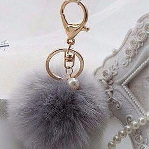 Accessories - 👍2xHost Pick👍Gray Pom Pom key chain
