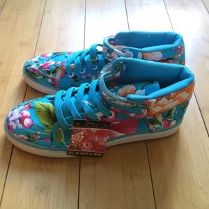 NA Shoes - SALE! ✨✨✨RARE🌟 Floral Hightops