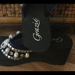 0062a549d Grazie Shoes - Grazie leather platform flip flops. Skull   studs