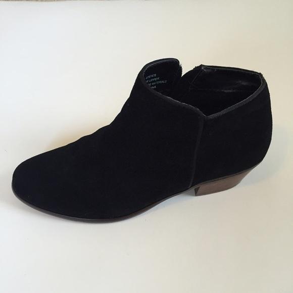 Vintage Crown Shoes 112