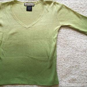 📦 Lightweight Ombré sweater