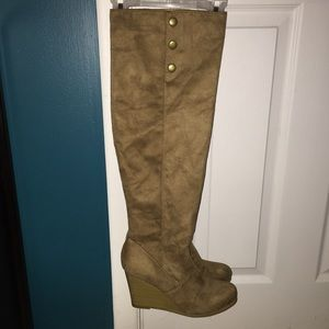 Shoedazzle Shoes - Shoedazzle knee high wedge boots 6.5