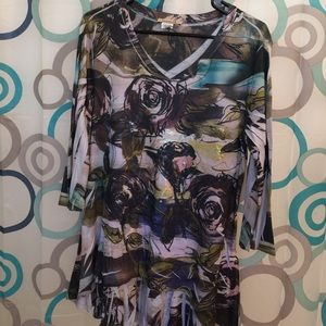 ONE WORLD Tops - One world top M flattering cut