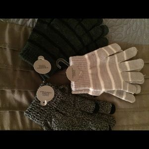 Accessories - 3 pairs of light winter gloves
