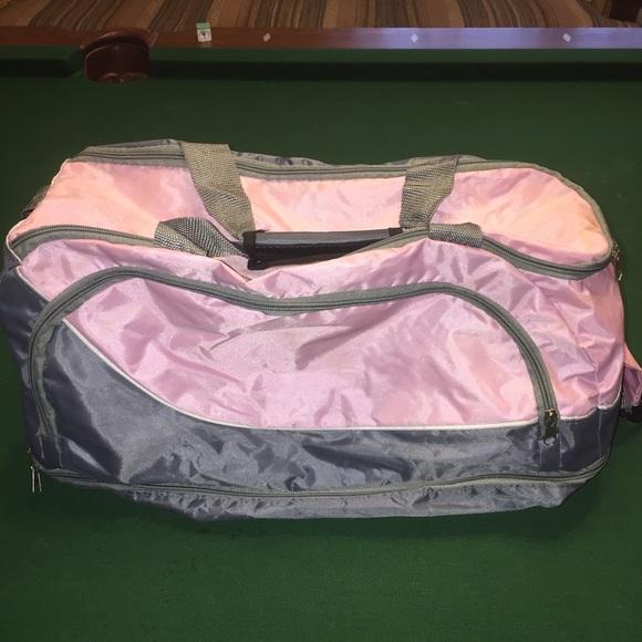 1f3eb1e2391a Nice Gym bag or overnight bag.